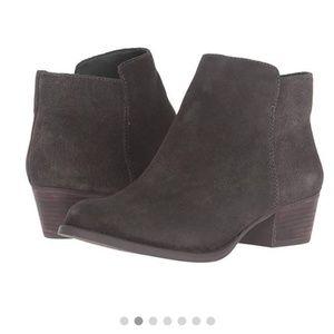 Jessica Simpson Delaine boots moss suede 6.5